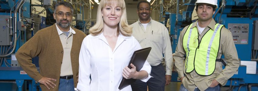 Manufacturing Job Opportunities in Birmingham, Alabama - satisfied workforce in warehouse