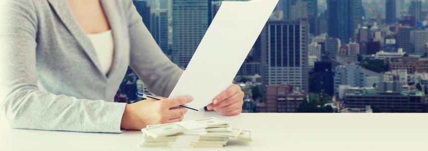 Financial Jobs in Birmingham, Alabama - woman reviews financial reports